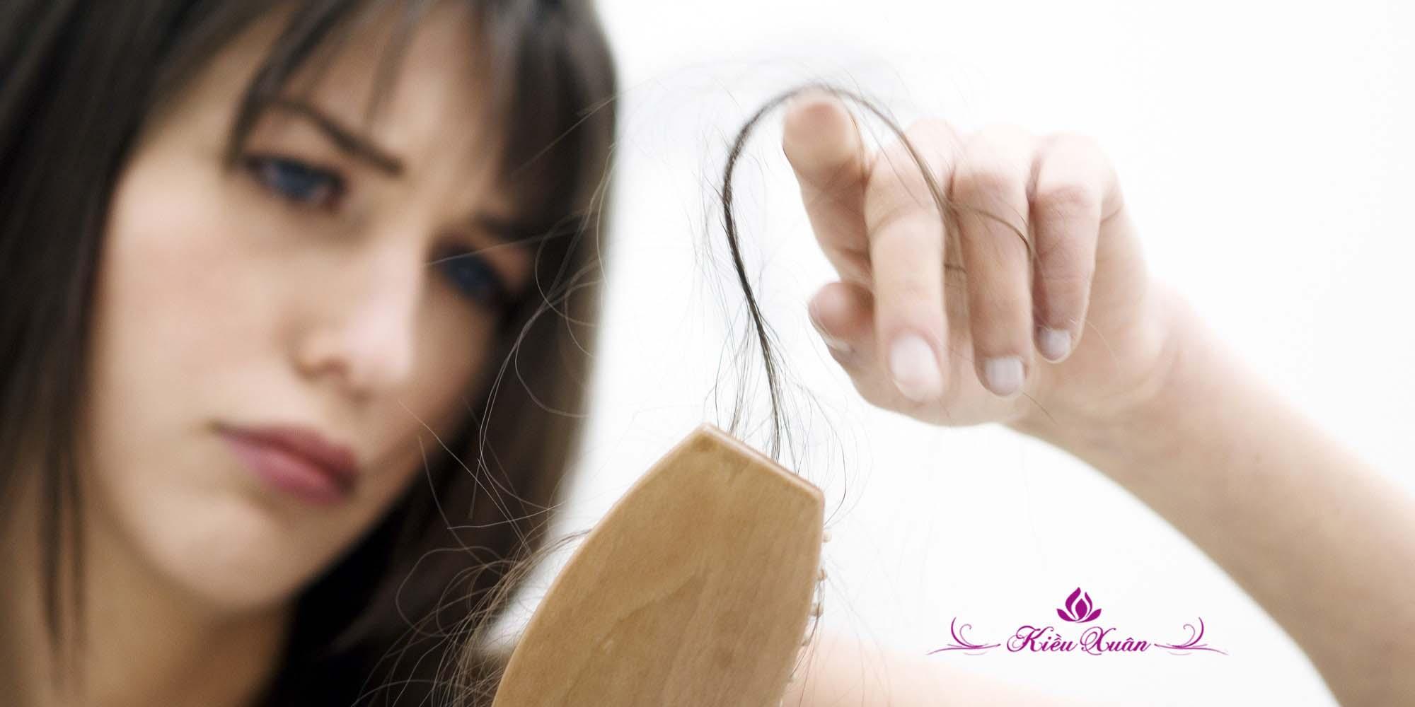 rụng tóc tiền mãn kinh