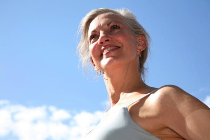 tuổi mãn kinh ở phụ nữ