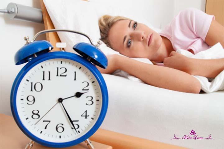 chữa mất ngủ tiền mãn kinh ở phụ nữ