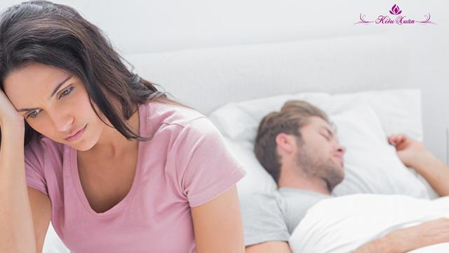 những dấu hiệu giảm ham muốn ở chị em như ngại quan hệ gần gũi với chồng