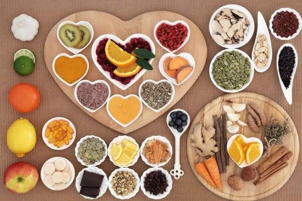 Nên và tránh ăn gì ở tuổi mãn kinh